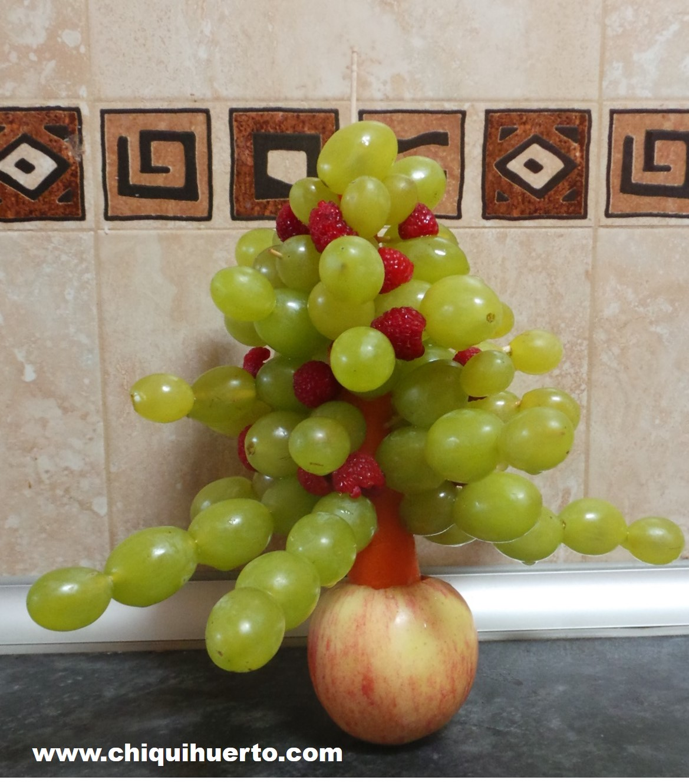 arbol-de-navidad-con-uvas-3